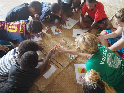 Schwerpunkt unserer Sozialarbeits - Projekte liegt auf der gemeindebasierten Kinderbetreuung
