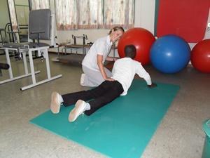 Fisioterapeuta voluntaria en el proyecto de fisioterapia para profesionales en Ghana