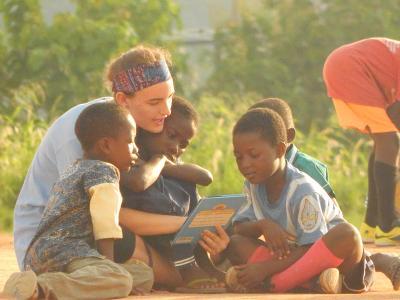 Im 19+ Special nimmst du an unserer Alphabetisierungsinitiative in Ghana teil