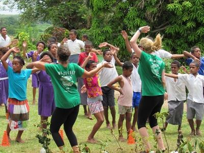 Gib Tipps zu gesunder Lebensweise und Sport im Ernährungs – Projekt auf den Fidschi - Inseln