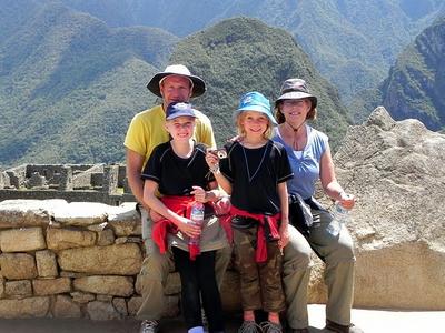 Gerne können Freiwillige, die sich mit Projects Abroad engagieren, ihre Kinder in bestimmte Projekte mitnehmen