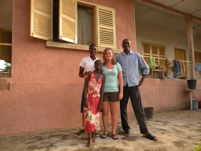 Freiwillige mit Gastfamilie im Freiwilligendienst mit Projects Abroad