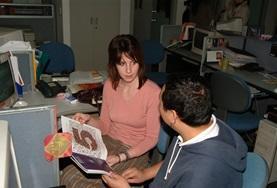 Eine Freiwillige sammelt Praxiserfahrung im Journalismus - Praktikum bei der Global Times in China.