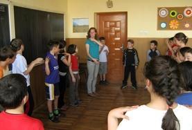Eine Szene im Theater in Brasov, in dem du dich im Rahmen eines Theater - Projekts freiwillig engagieren kannst.