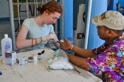 Medical Outreach im Medizin – Projekt auf den Philippinen