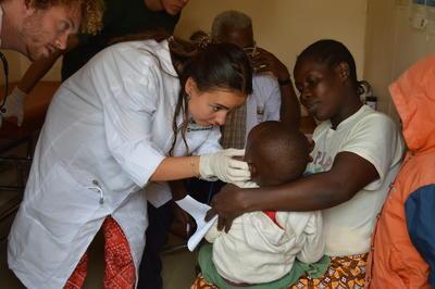 Freiwillige aus Frankreich im Medical Outreach