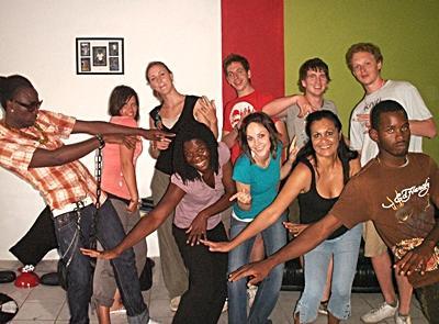 Freiwillige im Musik - Projekt auf Jamaika