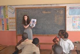 Als Freiwillige/r im Menschenrechts - Projekt auf Jamaika wirst du in Schulen Aufklärungsarbeit über Kinderrechte leisten.