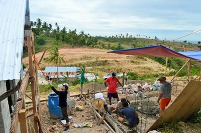 Freiwillige im Hausbau - Projekt auf den Philippinen