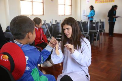 Schnuppere in Peru in die Welt der Medizin während deiner Ferien
