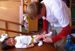 Als Freiwillige/r im Medizin - Praktikum in Peru hast du die Möglichkeit, unter Aufsicht einfache medizinische Handgriffe zu erlernen.