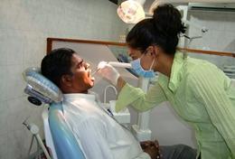 Schnuppere in Sri Lanka in die Welt der Zahnmedizin hinein, sammle Praxiserfahrung und entdecke in deiner Freizeit zusammen mit uns das wunderschöne Land.