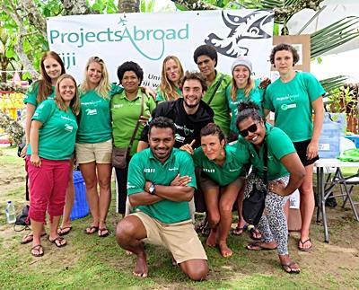 Freiwillige im Naturschutz – Projekt mit Haien auf den Fidschi - Inseln