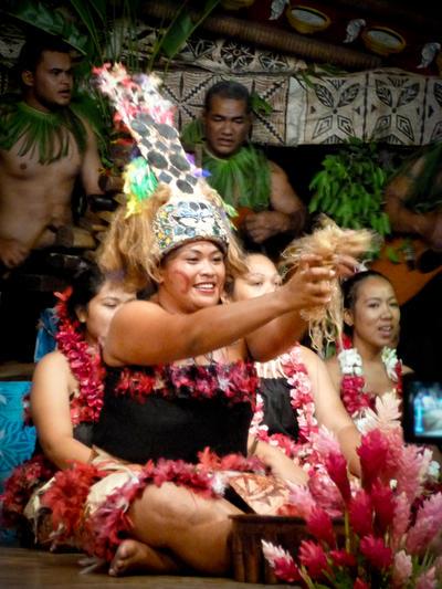Schülerreise mit Freiwilligenarbeit in ein traditionelles Dorf in Samoa