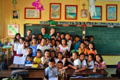 Unsere Freiwilligen im Schulferien – Special auf den Philippinen mit ihrer Klasse.