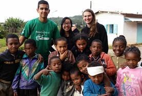 Leiste in deinen Ferien Freiwilligenarbeit in Madagaskar und setze dich in den Bereichen Sozialarbeit und Community Work ein.