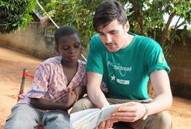 Als Freiwillige/r in diesem Projekt kannst du gemeinsam mit den Kindern in der Tagesstätte das Lesen auf Französisch üben.