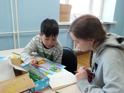 Freiwillige im Sozialarbeits - Projekt in der Mongolei
