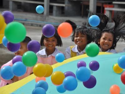 Freiwilligendienst mit Kindern im Ausland mit Projects Abroad