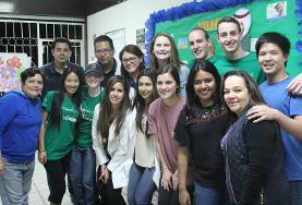Unsere Freiwilligengruppe im HIV/AIDS - Projekt nach einer Besprechung in unserem Projects Abroad Büro in Guadalajara.