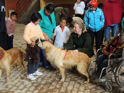Hundetherapie in Bolivien