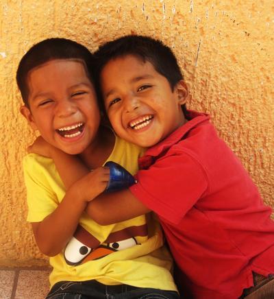 Zwei Jungen in Guadalajara, Mexiko