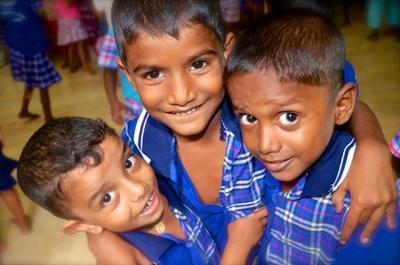 Kinder in einer Tagesstätte in Sri Lanka