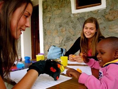Freiwilligendienst mit Kindern im Ausland