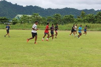 Ein Freiwilliger im Rugby-Projekt in Samoa.