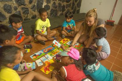 Unterrichte Englisch, Deutsch oder Französisch in Ecuador
