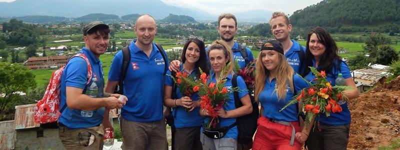 SmithCorp Charitable Trust auf Firmenreise für Freiwilligenarbeit in Nepal