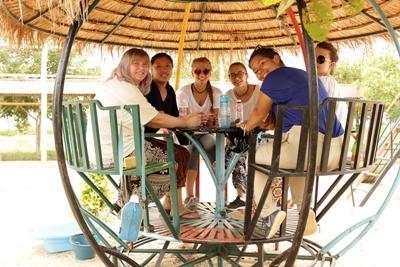 Pause im Sozialarbeits - Projekt in Kambodscha