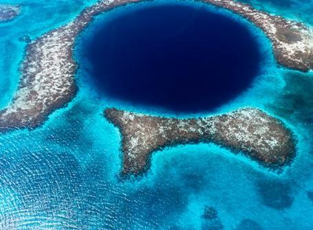 Das Blue Hole in der Nähe von Belize