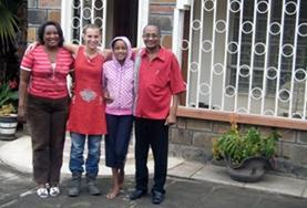 In Kenia bist du bei einer netten Gastfamilie untergebracht, mit der du deine Swahili - Kenntnisse direkt anwenden und vertiefen kannst.